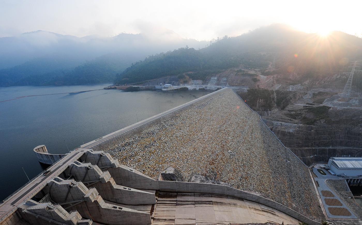 ภาพโรงไฟฟ้าพลังน้ำ น้ำงึม 2 สปป.ลาว โรงไฟฟ้าพลังน้ำ ในเครือ CKPower